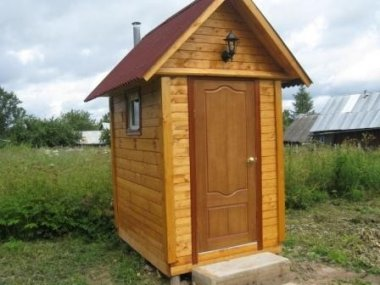 Изящный дачный туалет